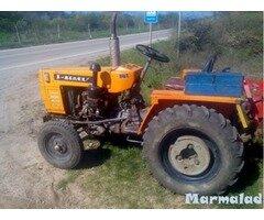 Трактор китайски