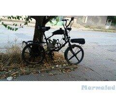 Продавам моторно колело