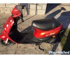 Продавам скутер Piaggio zip