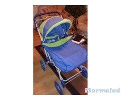 Бебешка количка с подарък проходилка