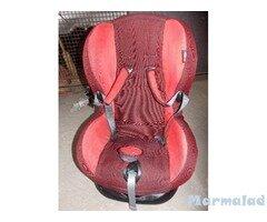 Детски стол за автомобил