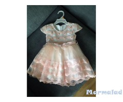 Детски роклички продава